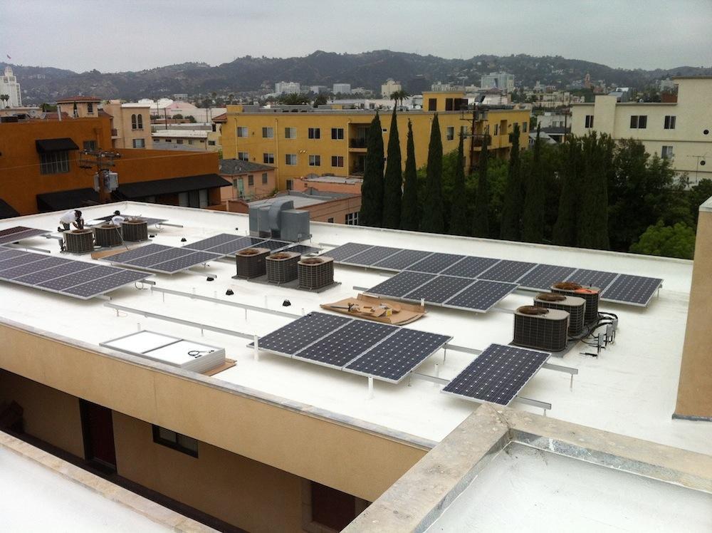 solar-panels-on-flat-roof-los-angeles