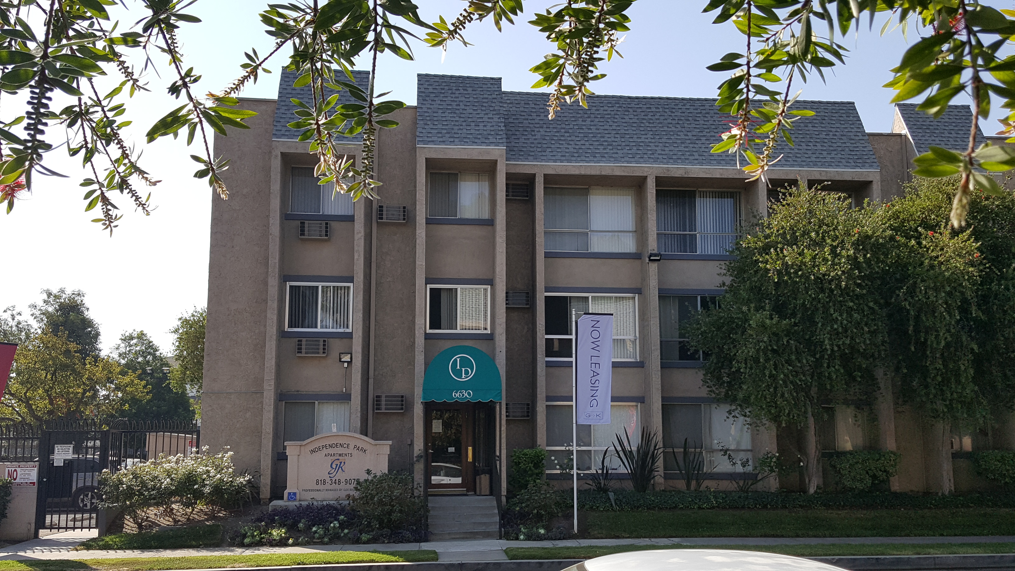 Independence Park Apartments Canoga Park Ca