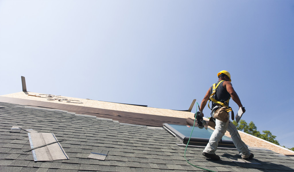 Why Become a Roofer in Los Angeles