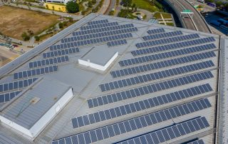 Solar panels on flat roofs